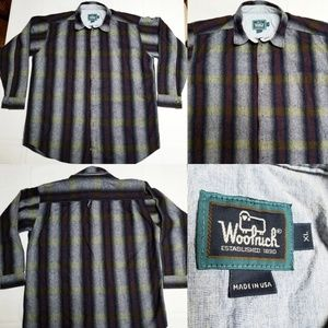 Woolrich Plaid Flannel Longsleeve front pocket USA